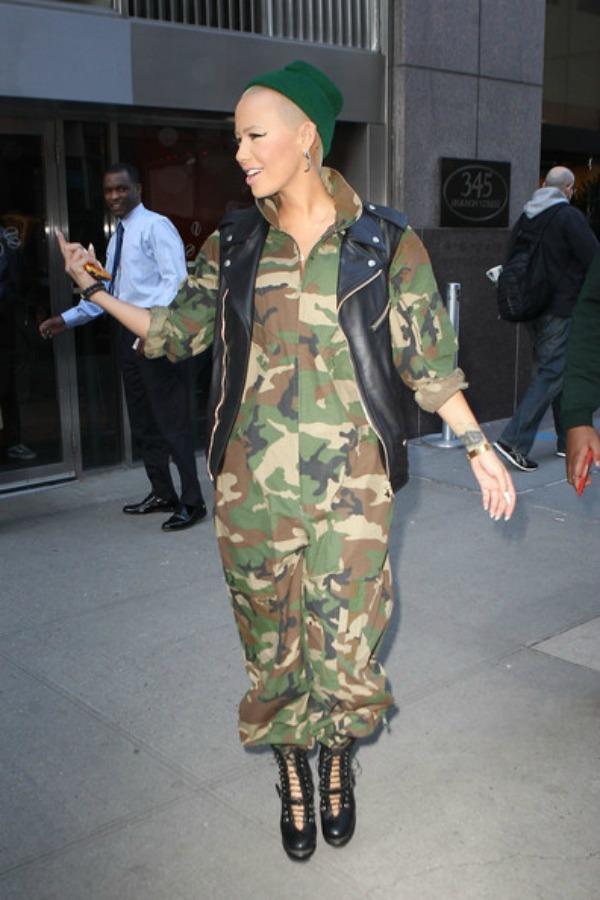 Amber u vojničkom 1 Street Style: Amber Rose