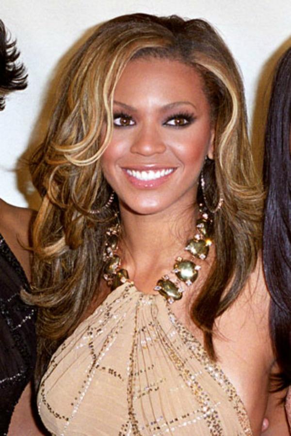 Bijonse s ozbiljnjijom frizurom Beauty Moments: Najlepše frizure Beyoncé