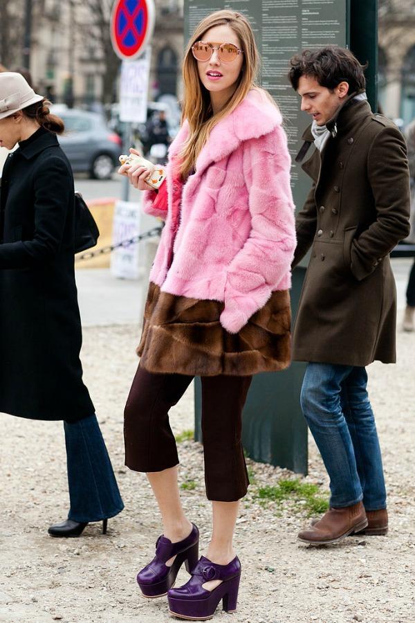 Braon pink kombinacija Moda na ulicama Pariza