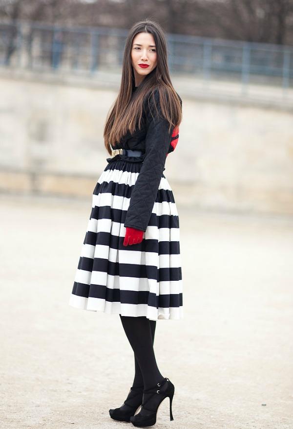 Crno bela dama Moda na ulicama Pariza