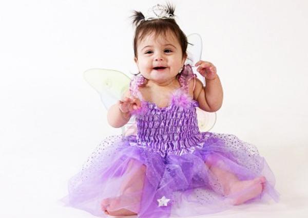Devojcica u ljubicastoj haljini Bio(b)logija: Dečak ili devojčica?
