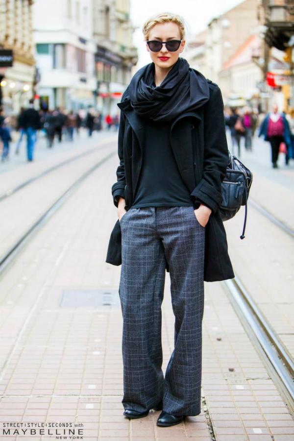Devojka u crno sivoj kombinaciji Street Style: Na ulicama urbanog Zagreba