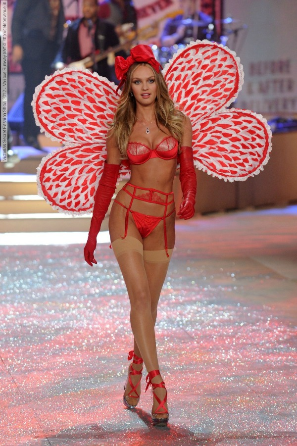 Kendis 6 Anđeoska magija: Revija Victorias Secret 2012.