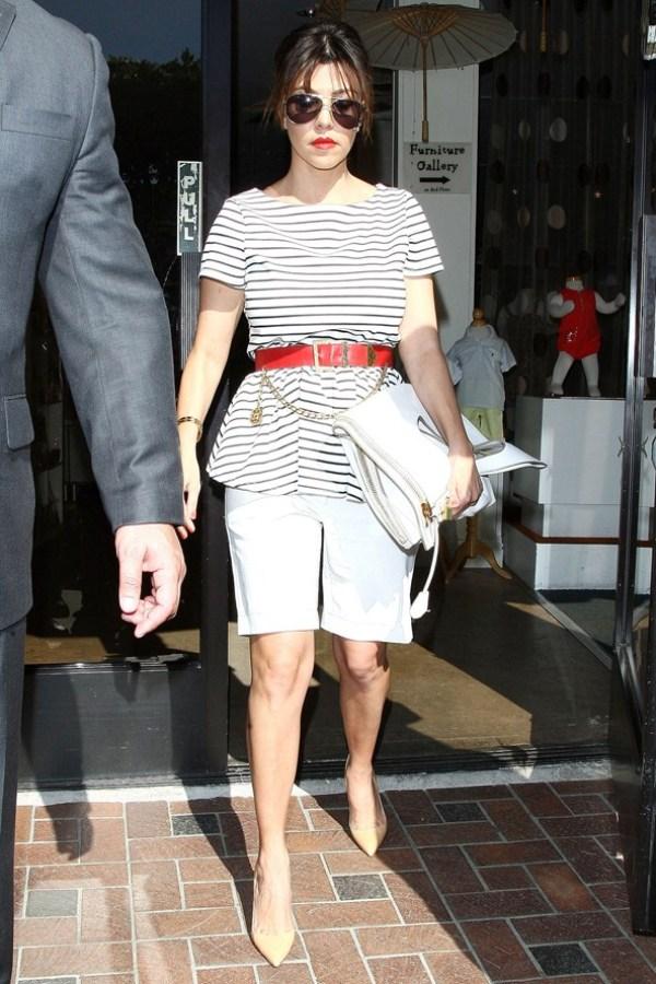 Kourtney Kardashian Celebrity stil dana: Kourtney Kardashian