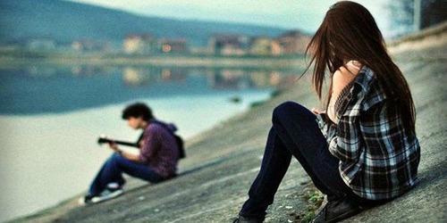 """Ljubavni par kraj reke Kad srce kaže da """"to"""" nije ono pravo"""