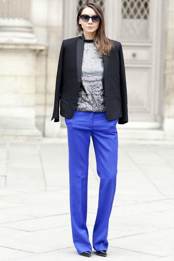 Plavo siva kombinacija Moda na ulicama Pariza