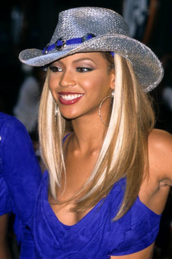 Ravna i svetlija kosa Beauty Moments: Najlepše frizure Beyoncé