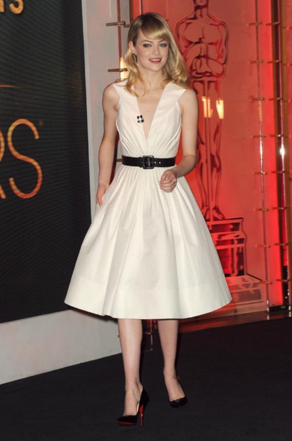 SLIKA 23 Trend sa crvenog tepiha: Bele haljine