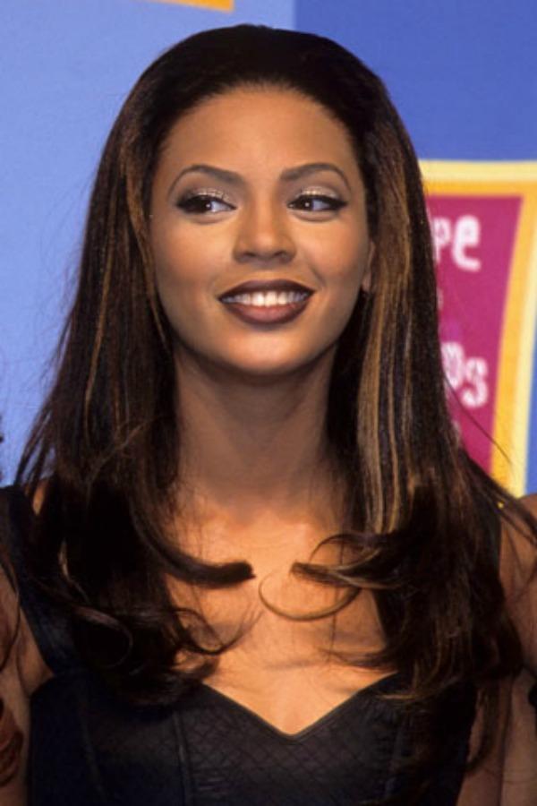 Tamna i ravna kosa Beauty Moments: Najlepše frizure Beyoncé