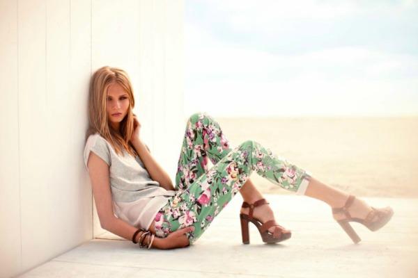 calliope ana cvetne pantalone Calliope: Prolećne boje i trendovi