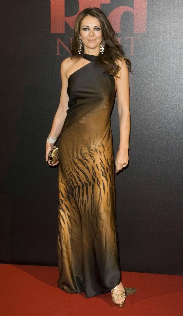 slika10 10 haljina: Elizabeth Hurley