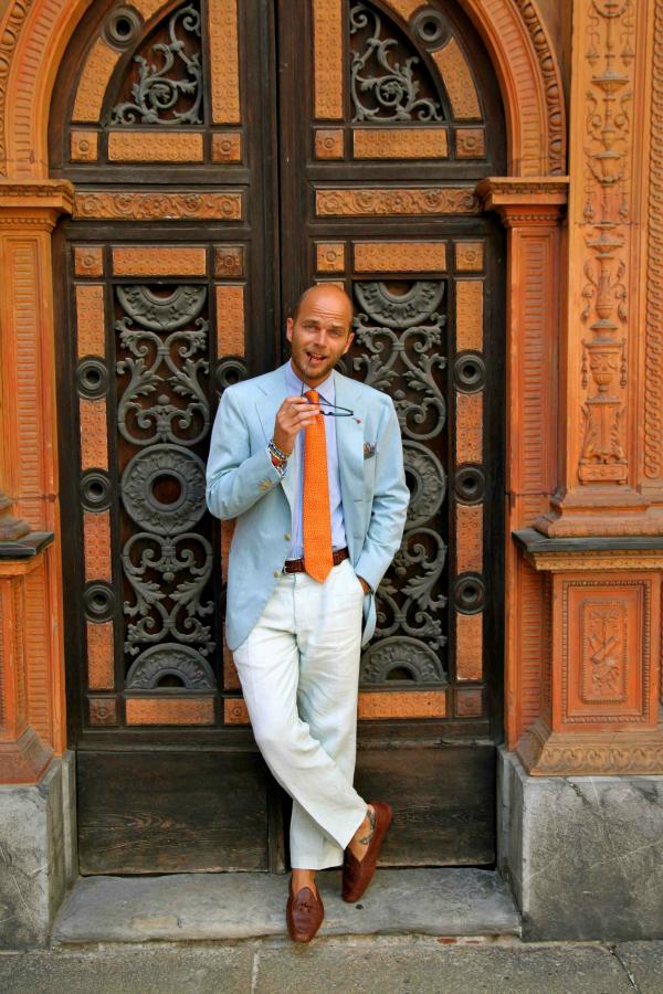 Èovek na vratima Muška moda: Vesela narandžasta