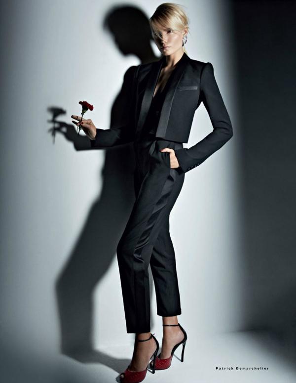 """Žensko odijelo """"Vogue Russia"""": Natasha Poly kao strastvena Španjolka"""