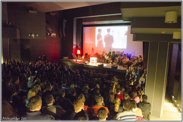 """015 Fajront republika Velika sala Dom omladine Beograd 25 03 2013 Aleksandar Zec Njuz.net u """"Fajront Republici"""""""