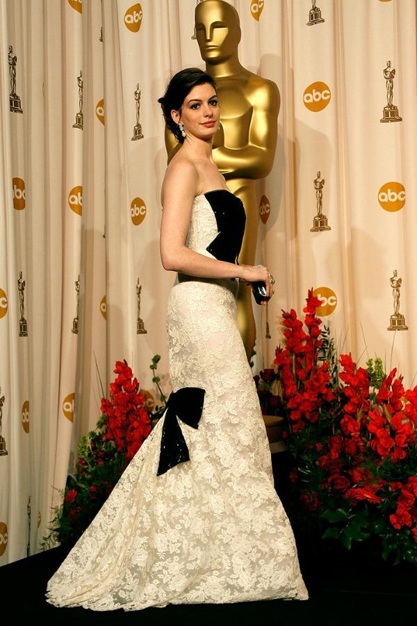 Anne Hathaway 9 Prelistavamo stil: Anne Hathaway