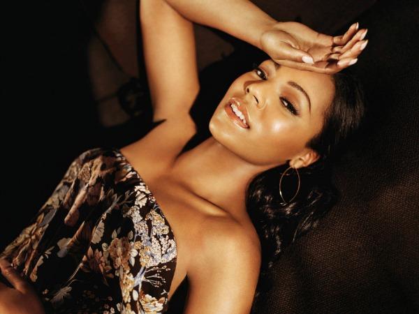 Ashanti Mjooz: Robin Thicke, Chris Brown i Ashanti