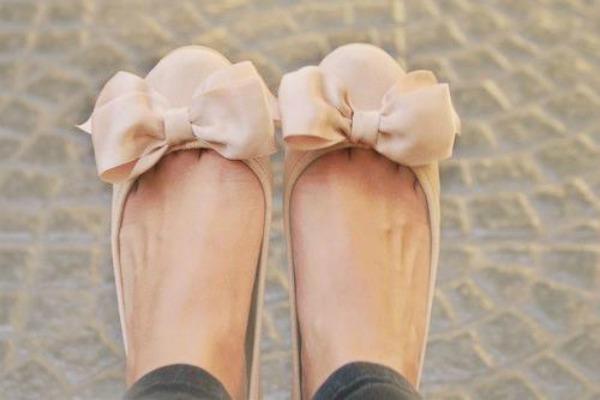 Baletanke Elegantna i prefinjena: Obuća u bež boji