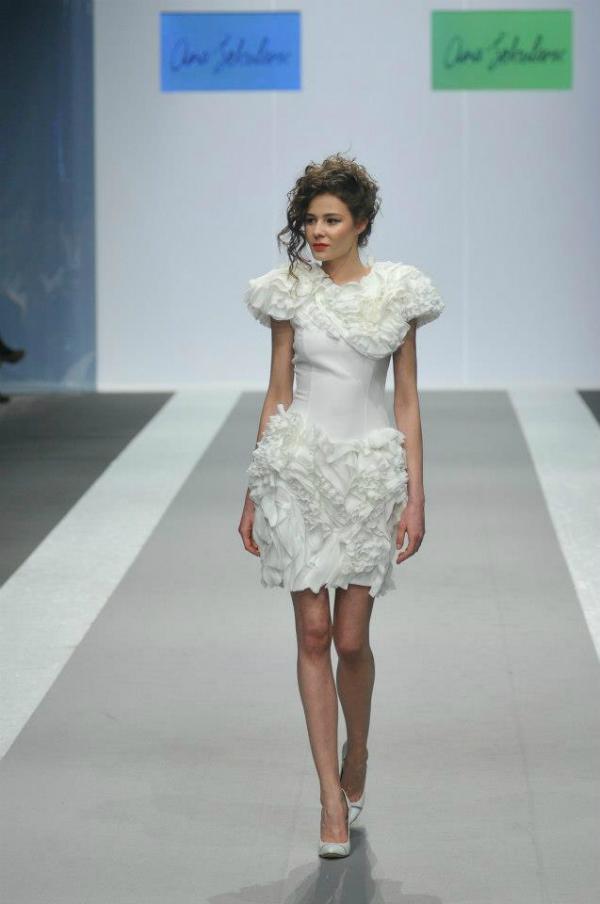 Bela haljina 33. Perwoll Fashion Week: Ana Šekularac