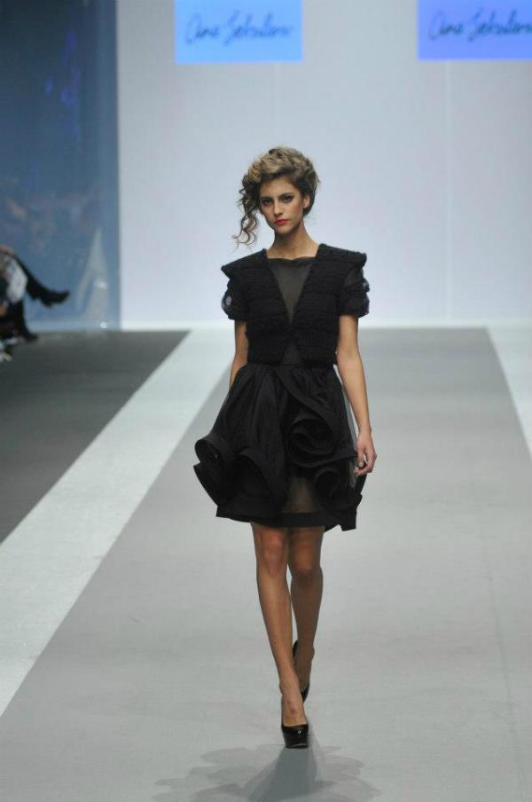 Crna haljina 1 33. Perwoll Fashion Week: Ana Šekularac