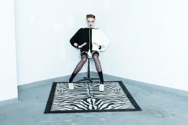 Crno bela haljina Yuliya Babich: Modna ludnica