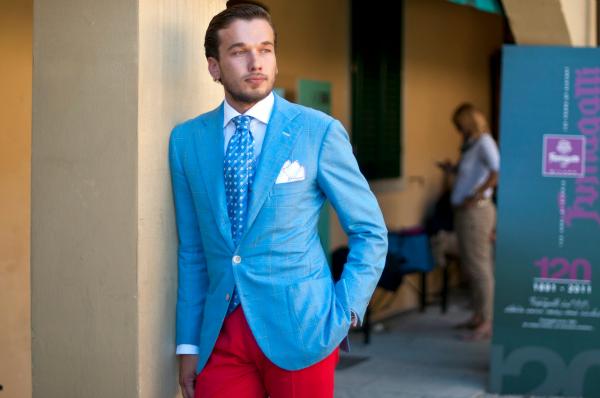 Crvene pantalone Muška moda: Sve nijanse plave