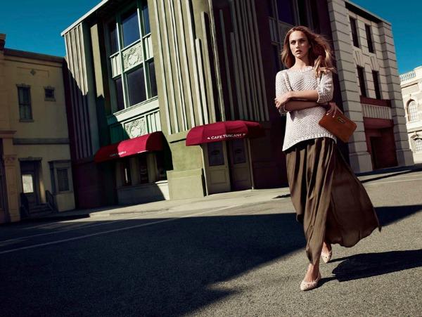 Duga suknja u kombinaciji sa dzemperom Massimo Dutti: Trendseterke u gradu