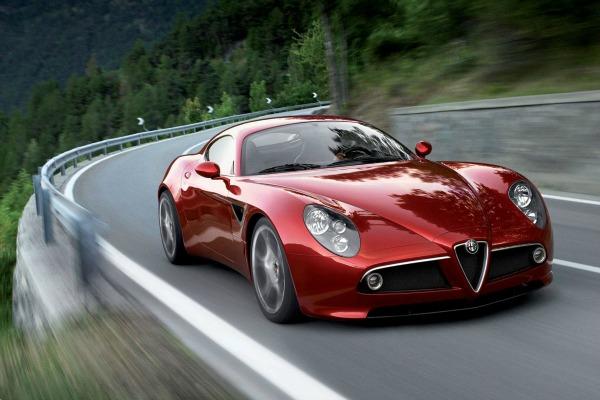 """Fantastičan prikaz Alfa Romea 8C Competizione u toku vožnje 200 km/h: Alfa Romeo """"8C Competizione"""""""