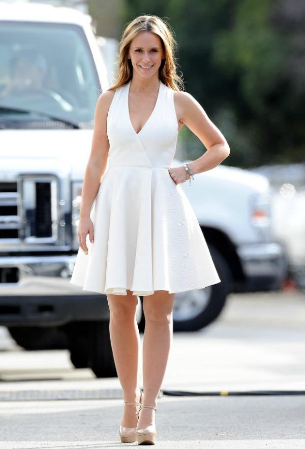 Jennifer Lowe Hewitt 10 10 haljina: Jennifer Lowe Hewitt