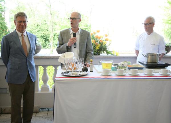 Loran L. Stokvis ambasador Kraljevine Holandije dr Alexander Teutsch generalni direktor Adria Media Holding kompanije i Rudolf van Vin Druženje sa Rudolfom