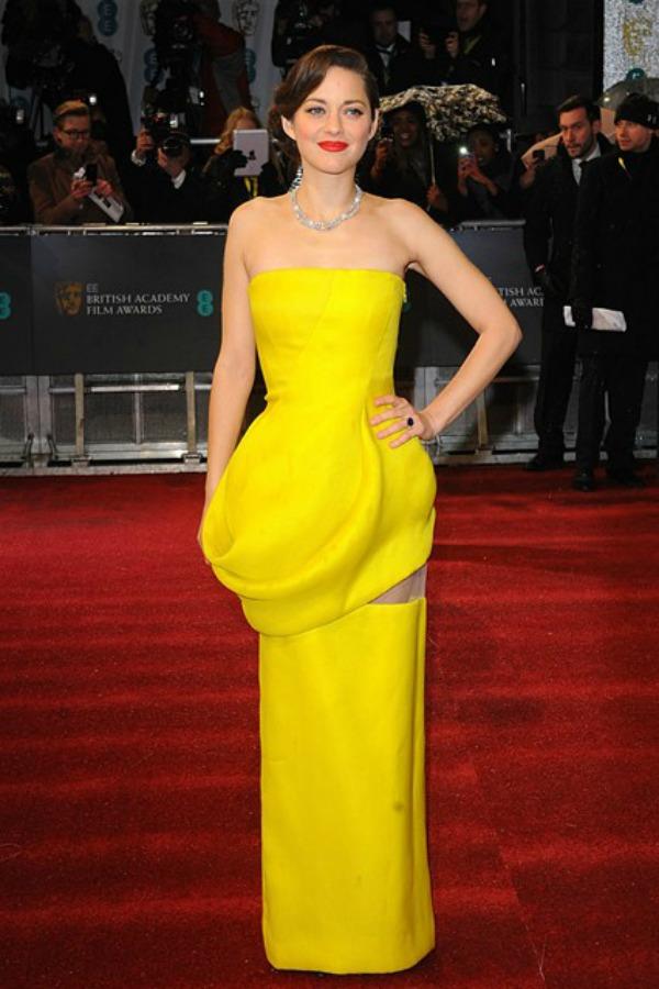Marion Kotijar Trend sa crvenog tepiha: Haljine Christian Dior