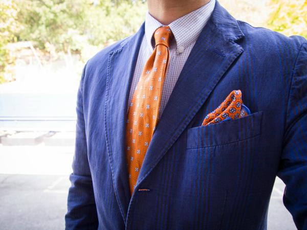 Plavi sako Muška moda: Vesela narandžasta