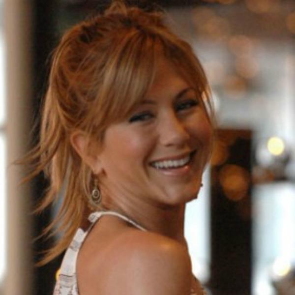 Razbarušene šiške kod Jennifer Aniston slika 5 Šiške su ponovo u trendu