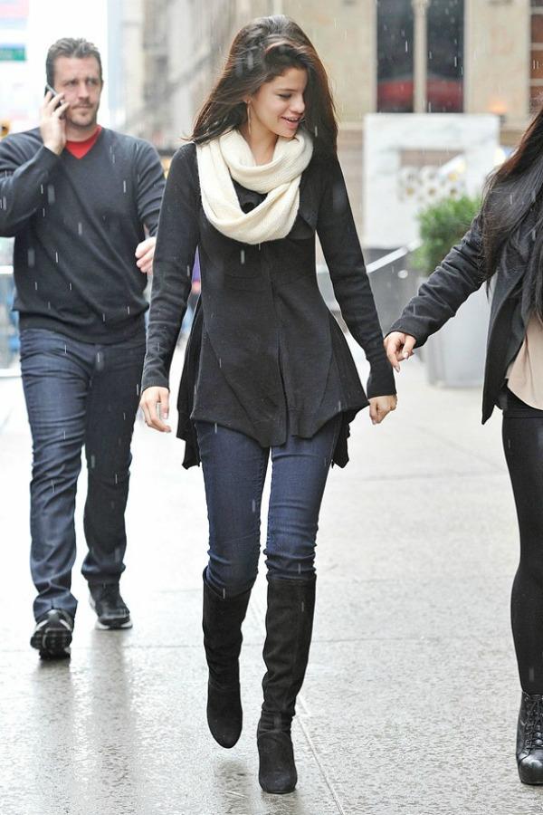 Selena Gomez4 Street Style: Selena Gomez