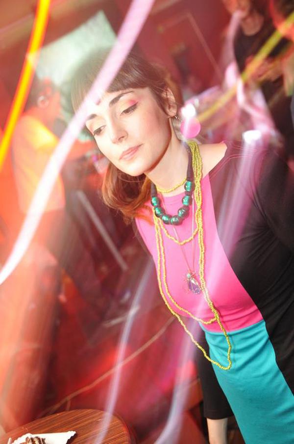 Shy party girl tatjana katica Wannabe Photo Wall: Poljupci i moda