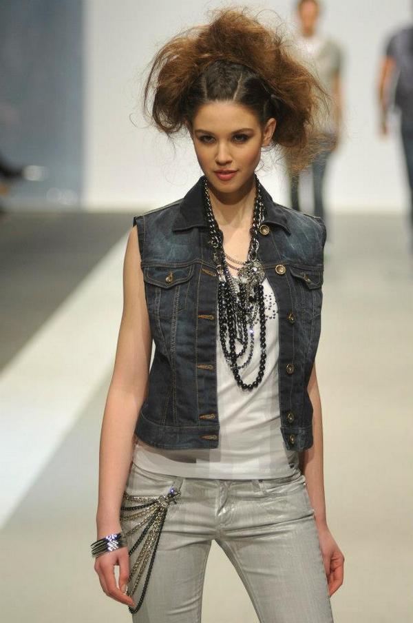 Slika 4 Buntovnica sa stilom 33. Perwoll Fashion Week: Legend