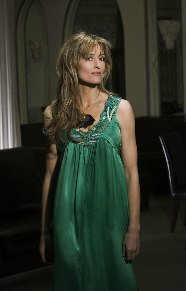 Smaragdno zelena 10 haljina: Natascha Mcelhone