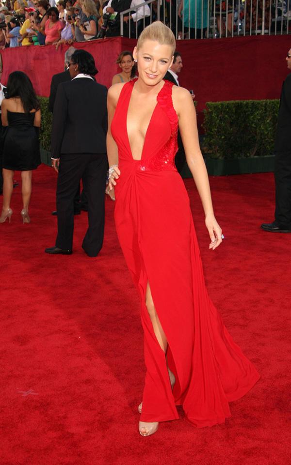 blake lively 9209 3 Modne trendseterke: Deset glumica u crvenim haljinama