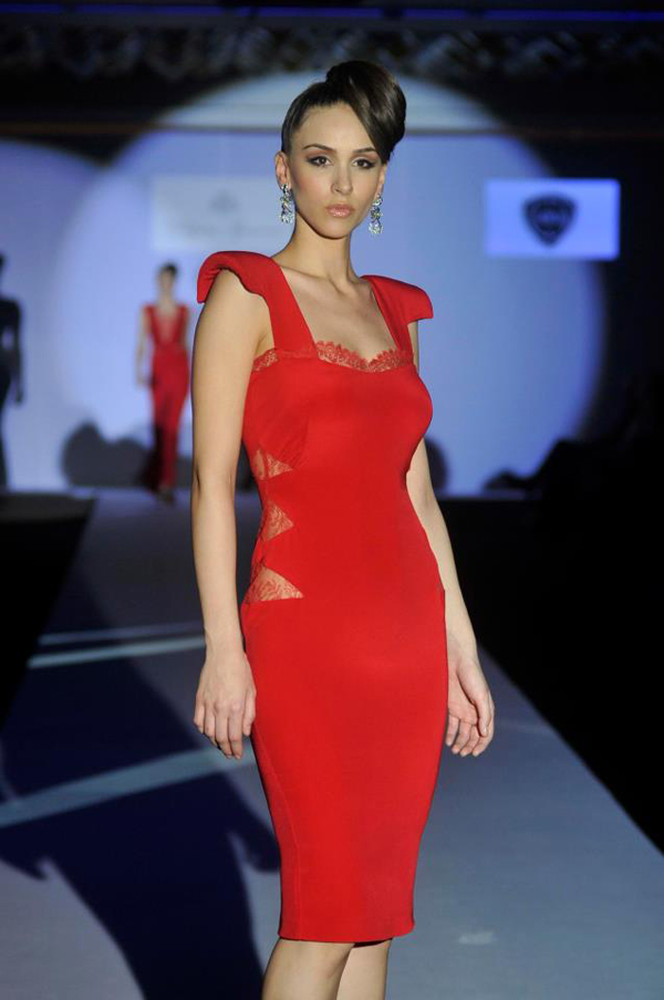 crvena haljina 33. Perwoll Fashion Week: Biljana Tipsarević