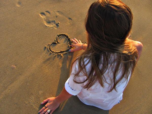 devojka na plazi 1 Sedam načina da se pripremite za leto