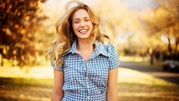 happy woman with beautiful smile 253486 Jednostavni načini da poboljšate svoj život