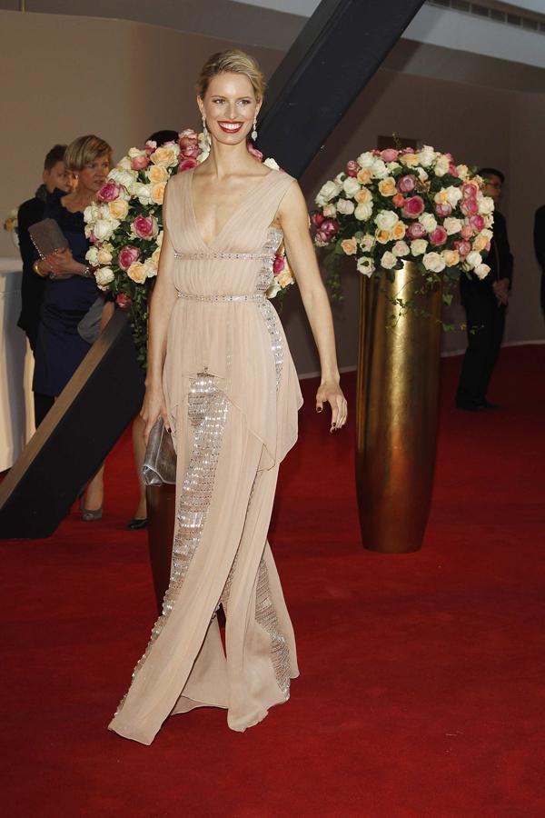 karolina kurkova u Vionner haljini puder boje1 10 haljina: Karolina Kurkova