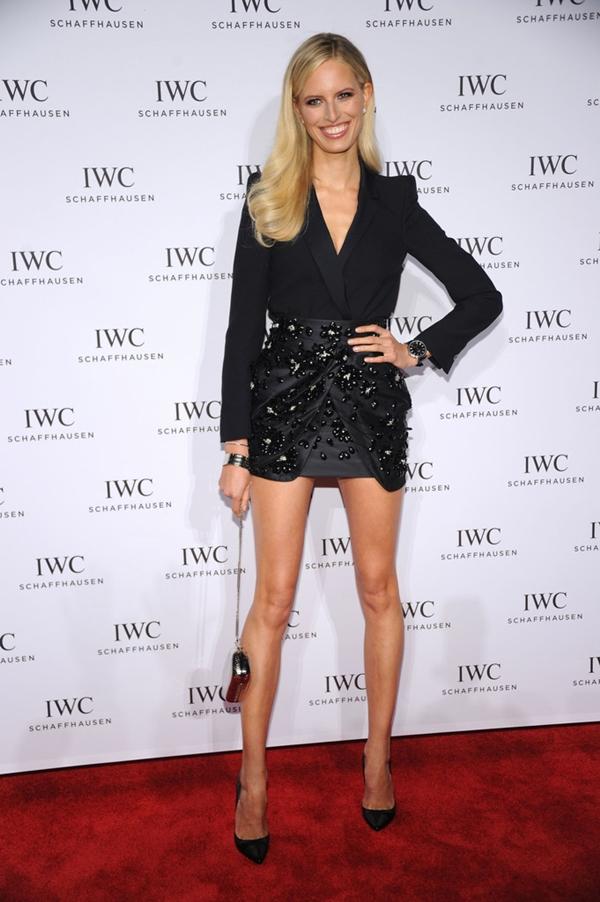 kratka crna haljina blumarine1 10 haljina: Karolina Kurkova