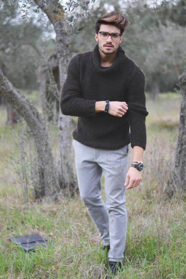 momak u sivim pantalonama 1 Sedam nijansi sive njegovog stila
