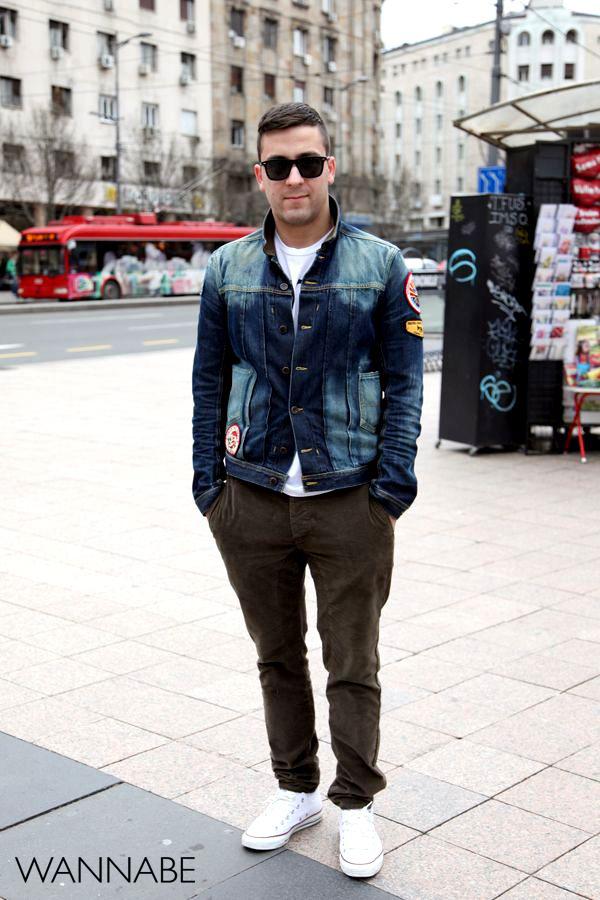 momak u teksas jakni i starkama 5 Belgrade Style Catcher: Klasika na ulicama Beograda