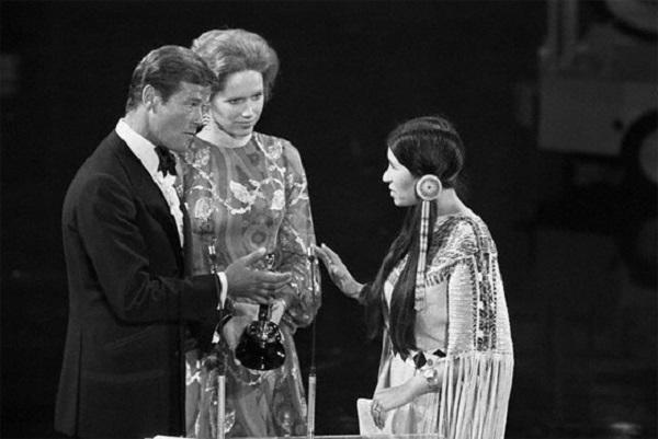 rodzer mur i indijanka Osam nezaboravnih događaja koji su obeležili dodele Oskara