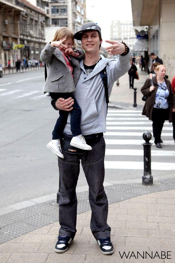tata i ćerka peace 8 Belgrade Style Catcher: Klasika na ulicama Beograda