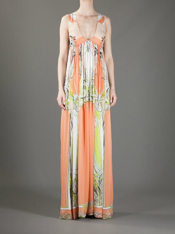 Ženstveno. Top 10 najlepših dugačkih haljina za tople mesece