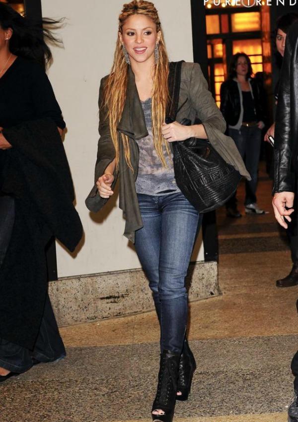 6 Shakira Street Style: Shakira
