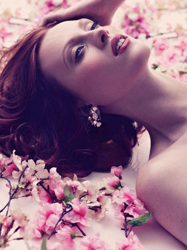 "62 ""Harper's Bazaar UK"": Romantika i proleće"