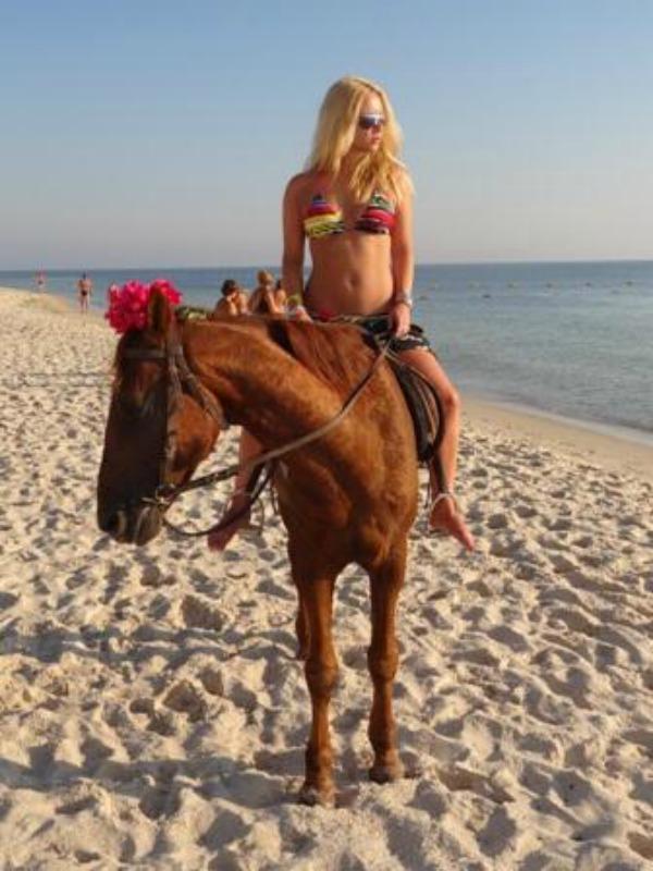 Ana Stajdohar Twitter na crvenom tepihu: Kako da joj treniraš živce
